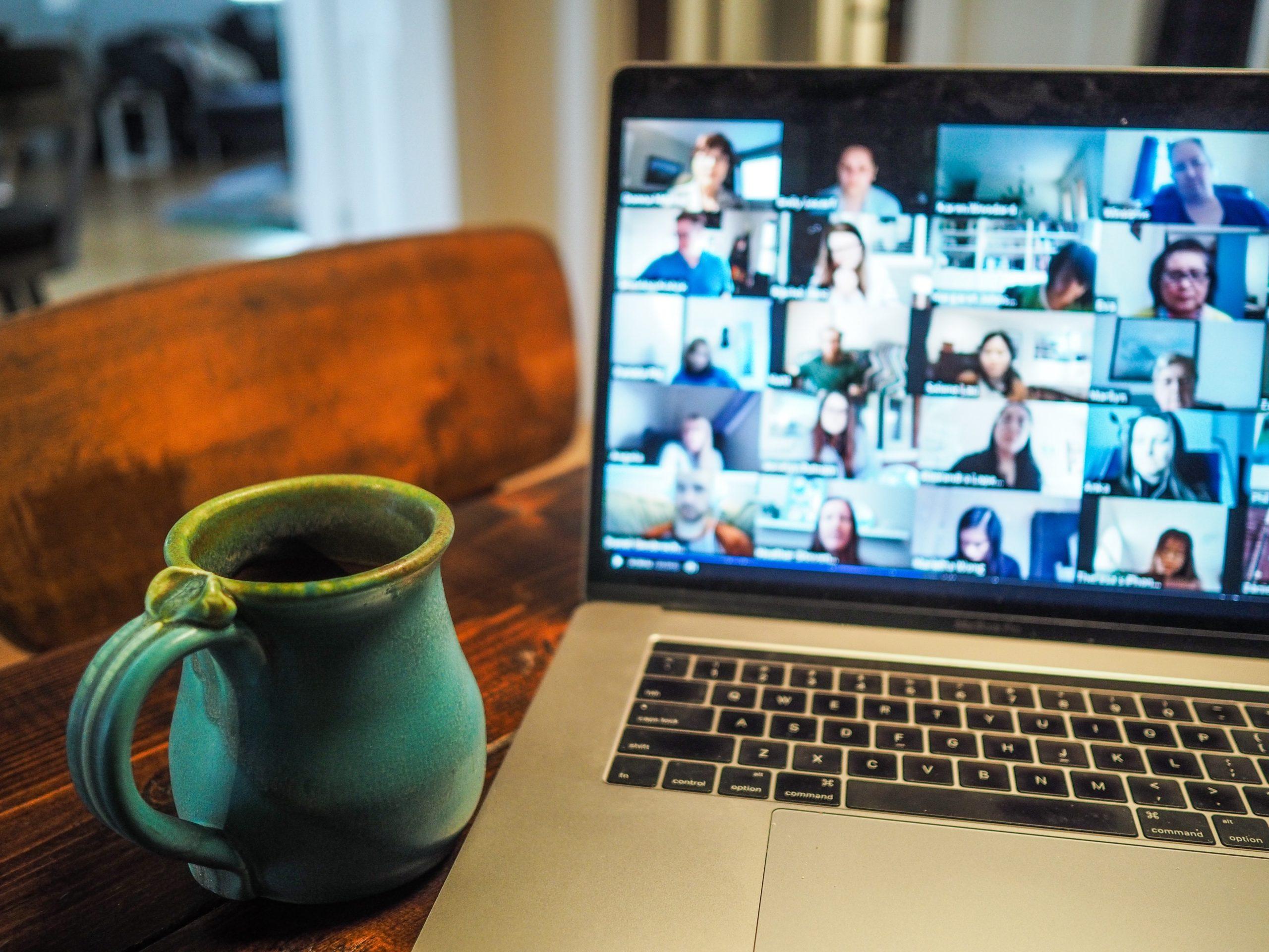 Cómo hacer presentaciones virtuales y no morir en el intento